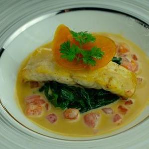 「高嶺」コースの魚料理